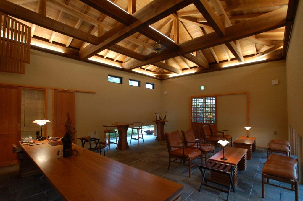 夕日ヶ浦温泉の一棟貸し旅館に旅人を迎えるレセプションホールを増築