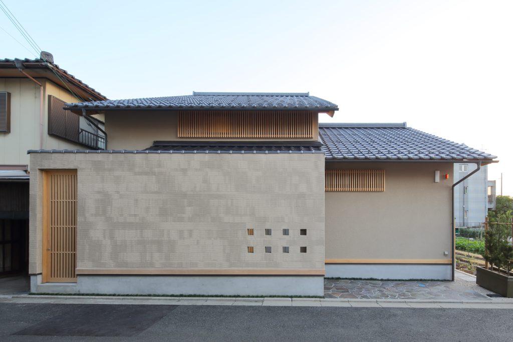 高齢のお母さんが長く住み続けた家の建て替え 和の趣を感じながら新たな思い出を刻む