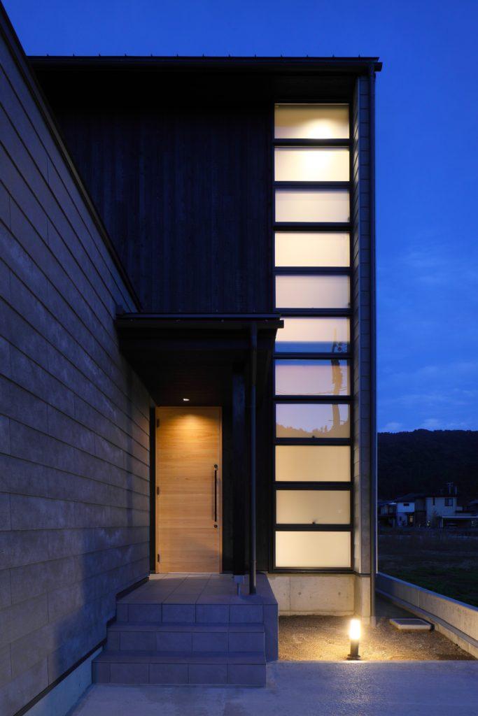 城下町宮津の秋の風と月を眺める三層の家