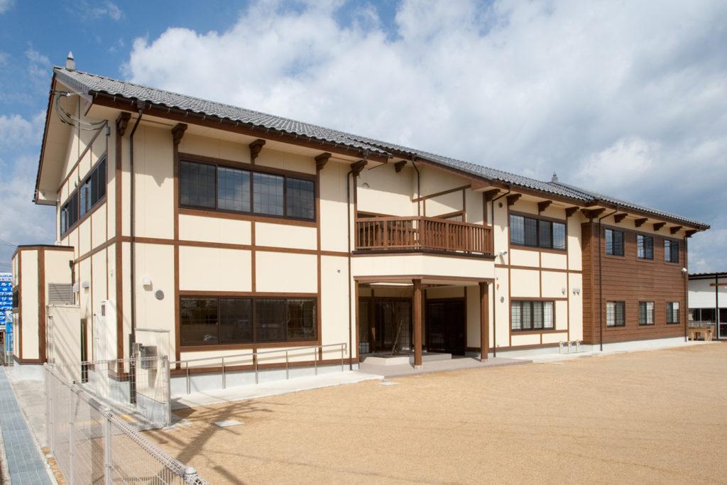 レトロな旧園舎のイメージを踏襲したデザインを取り入れた舞鶴の保育園