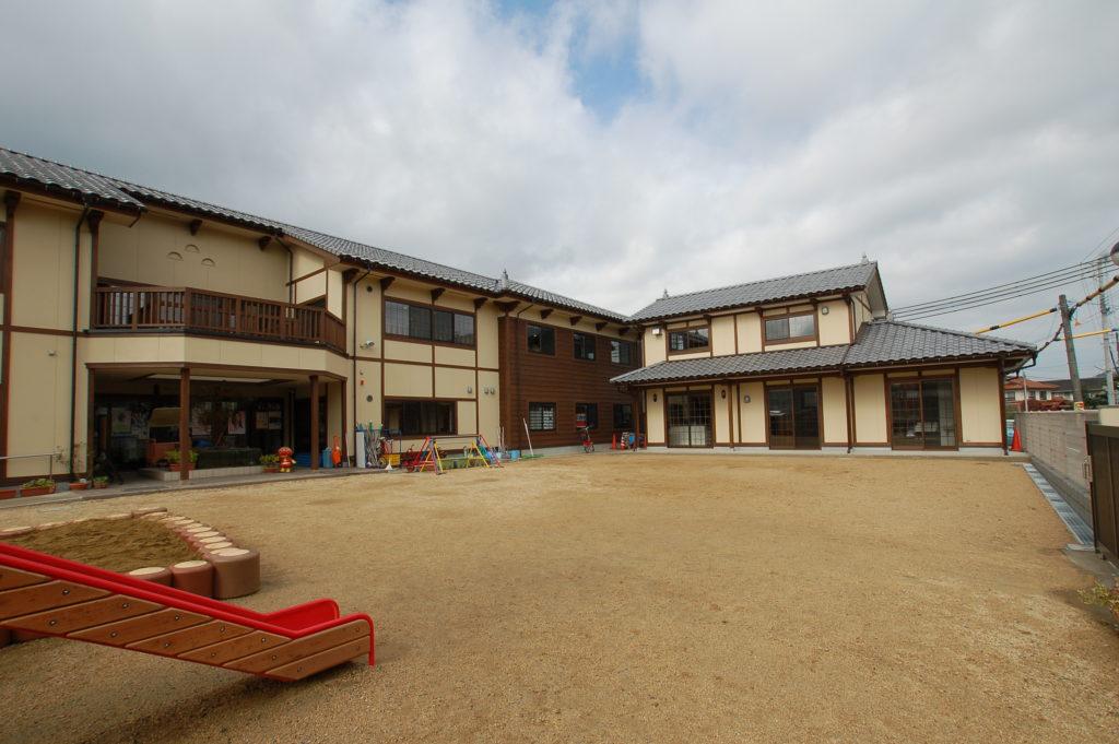 隣接する保育園と同様にレトロな雰囲気の放課後児童クラブ